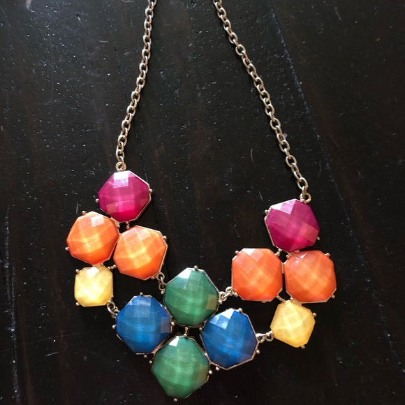 Jewelry - Multi color statement necklace